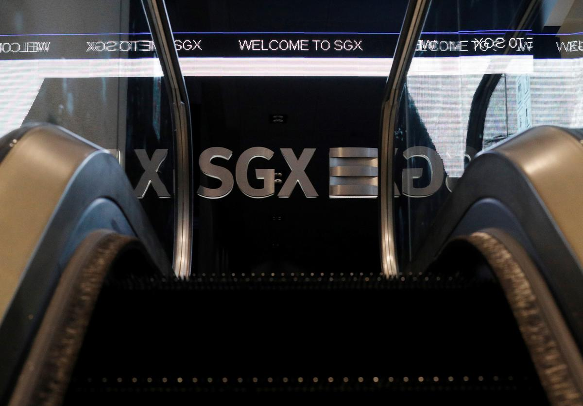 Asian stocks grind higher as focus turns to earnings